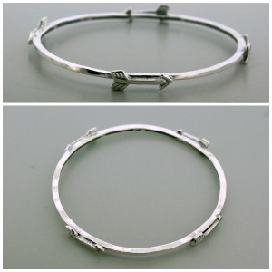 Guided Love Small Arrow Bangle